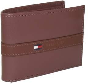 Tommy Hilfiger Men's Leather Ranger Passcase Billfold Wallet, Tan