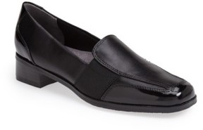 Trotters Women's 'Arianna' Loafer