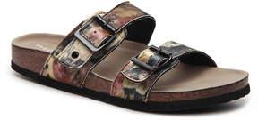 Madden-Girl Women's Brando Velvet Flat Sandal