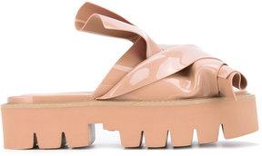 No.21 knot sandals