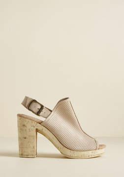 Sbicca Doolin Shoe Company Footwear Vacay Vogue Suede Platform Heel