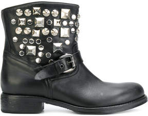 Strategia studded boots