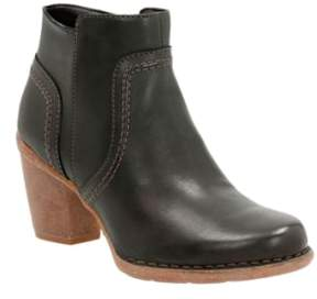 Clarks Women's 'Carleta Paris' Ankle Boot