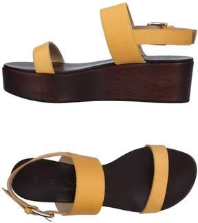 Vicini TAPEET Sandals