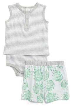 Nordstrom Stripe Bodysuit & Print Shorts Set (Baby)
