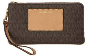 MICHAEL Michael Kors Bedford Signature Large Wristlet. - BROWN - STYLE