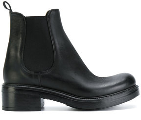 Strategia classic chelsea boots