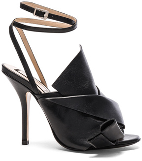 No.21 No. 21 Bow Leather Heels in Black.