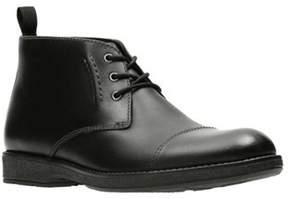 Clarks Men's Hinman Mid Chukka Boot.