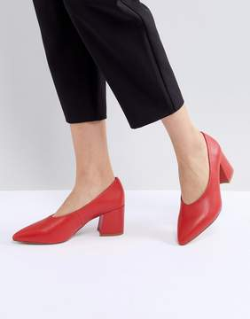Matt & Nat Sibyl V Cut Block Heeled Point Shoe