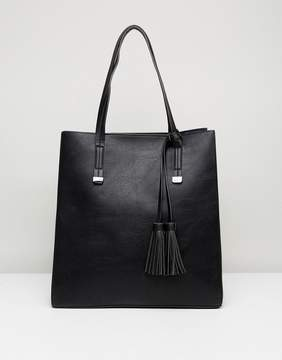 Pieces Shopper with Tassel Detail