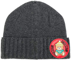 Moschino ribbed teddy plaque beanie