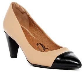 Sofft Tansy Pump- Wide Width Available
