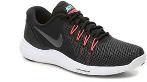 Nike Women's Lunar Apparent Lightweight Running Shoe - Women's's