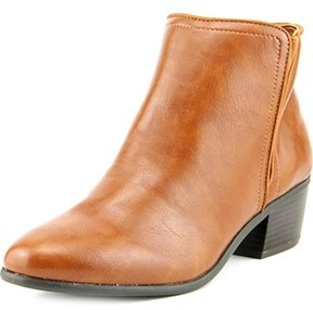Karen Scott Fannia Round Toe Synthetic Ankle Boot.