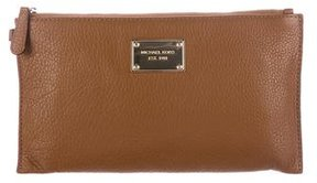 MICHAEL Michael Kors Grained Leather Wristlet - BROWN - STYLE