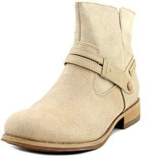 Caterpillar Drew Round Toe Leather Ankle Boot.