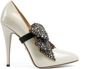Gucci Leather pump with crystal bow