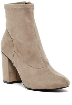 Kenneth Cole Reaction Time For Fun Stretch Bootie