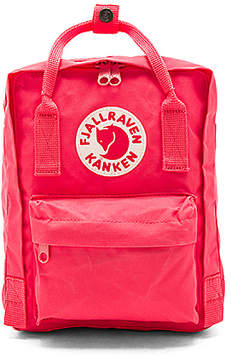 Fjallraven Kanken Mini in Coral.