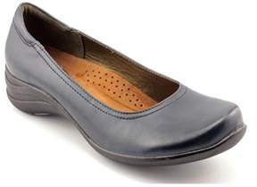 Hush Puppies Alter Pump Round Toe Leather Loafer.