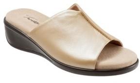 Trotters Women's Ellie Slide Sandal