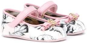 Roberto Cavalli feather print crib shoes