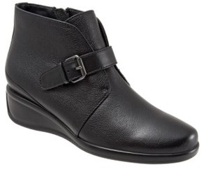 Trotters Women's 'Mindy' Wedge Bootie
