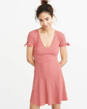 Abercrombie & Fitch Tie-Sleeve Skater Dress