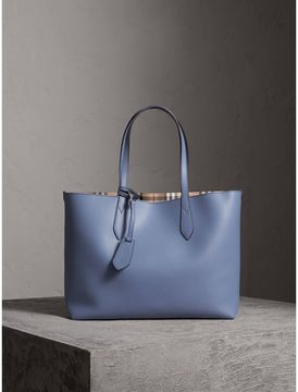 Burberry The Medium Reversible Tote in Haymarket Check and Leather