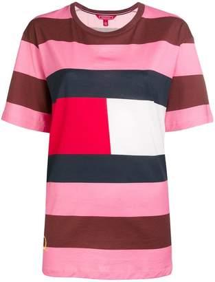 Tommy Hilfiger striped logo patch T-shirt