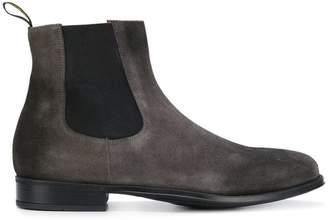Doucal's almond toe Chelsea boots