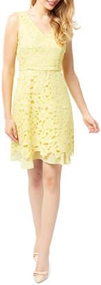 Review Lantana Lace Dress