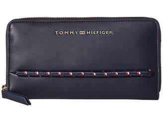 Tommy Hilfiger Devon Large Zip Wallet