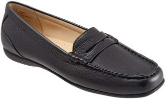 Trotters 'Staci' Penny Loafer