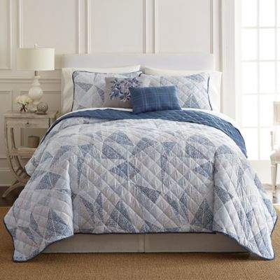 Pacific Coast Textiles Dillon King Quilt Set in Blue