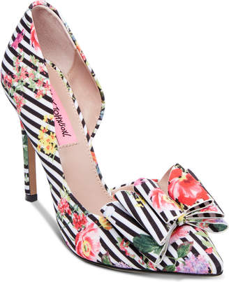 Betsey Johnson Prince d'Orsay Pumps