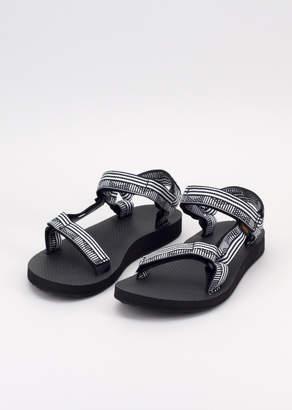 Teva Campo W Black White Original Universal Sandal   Wildfang - Original Universal B&W Sandal - BLACK / WHITE - 6