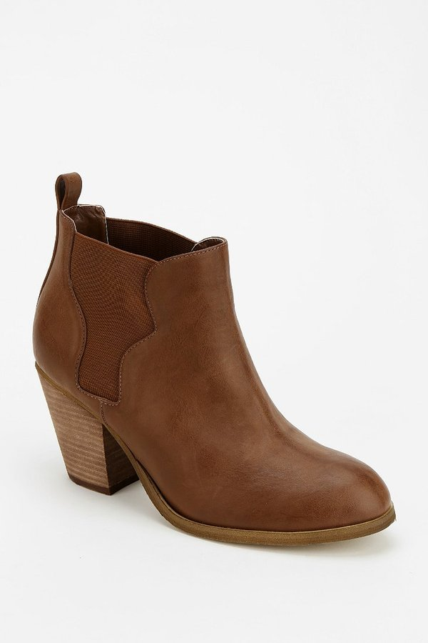 Urban Outfitters Ecote Western Heeled Ankle Boot