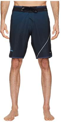 Quiksilver Highline New Wave 20 Boardshorts Men's Swimwear