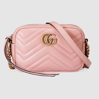 Gucci (グッチ) - 〔GGマーモント〕 キルティング ミニバッグ ピンク