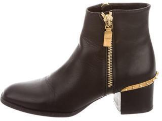 Alexander McQueenAlexander McQueen Leather Studded Ankle Boots