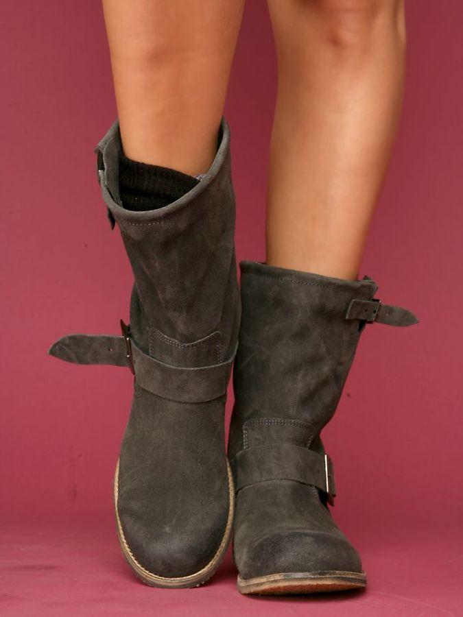 Dakota Suede Boot