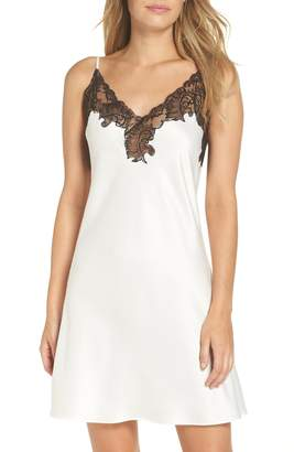 Natori Feather Lace Trim Chemise