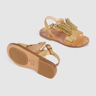 Gucci Toddler leather sandal with butterfly