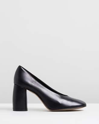 Topshop Gwenda Soft Round Toe Heels