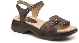 Dansko Lynnie Platform Sandal - Women's
