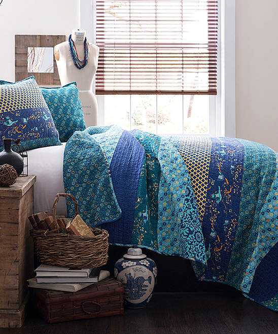 Peacock Royal Empire Reversible Quilt Set