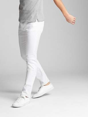 Gap EverWhite Jeans in Slim Fit with GapFlex