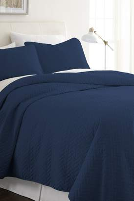 IENJOY HOME Home Spun Premium Ultra Soft Herring Pattern Quilted Queen Coverlet Set - Navy